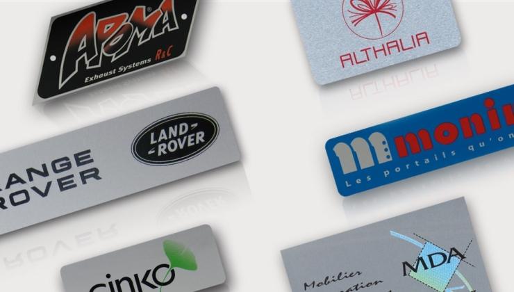 Plaques de marque imprimées par sérigraphie sur aluminium