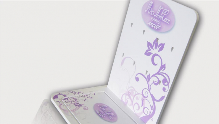 Présentoir pour produits de bijouterie en PVC expansé avec impression numérique