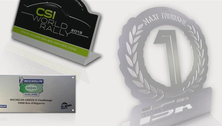 Trophées réalisés en impression numérique sur aluminium avec pliage