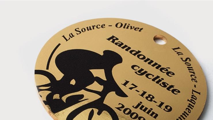 Médaille de récompense sportive réalisée en laiton imprimé