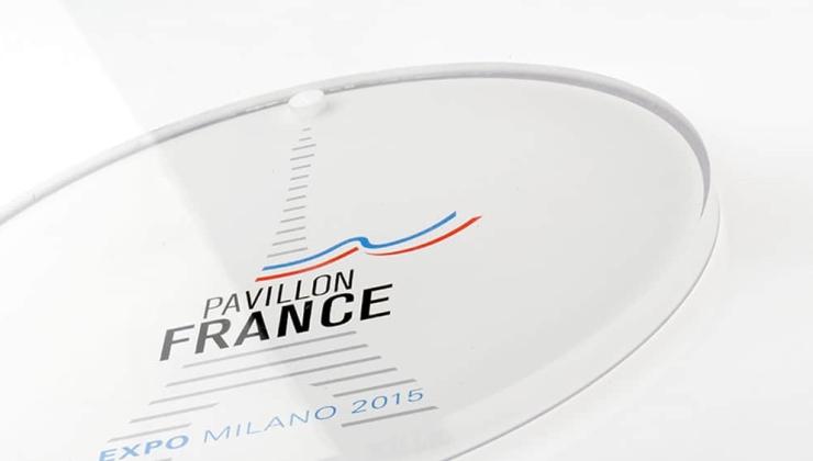 Plaque de médaillon imprimé en numérique sur plexiglas tranparent