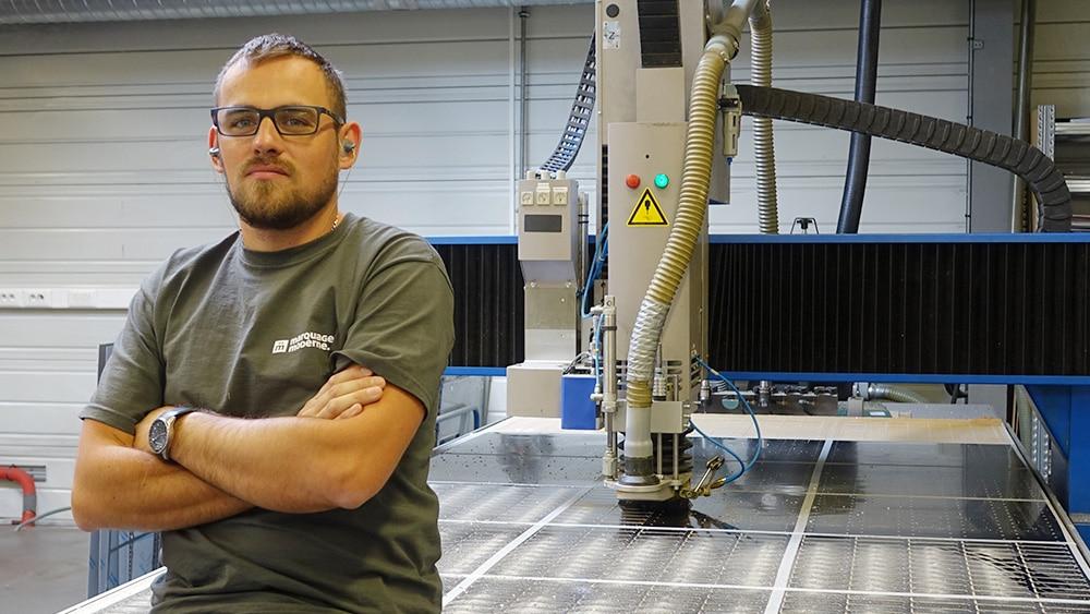 opérateur graveur en atelier mécanique