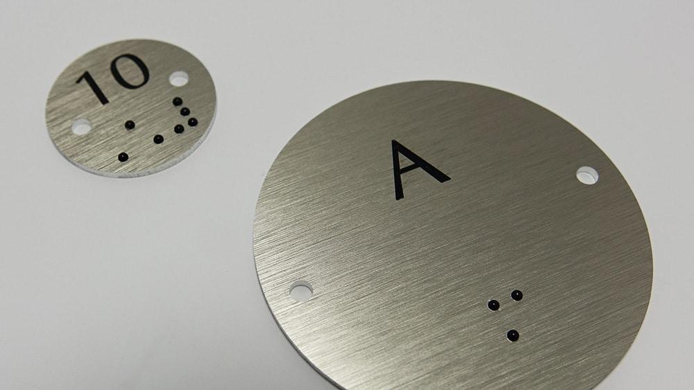 jetons aluminium avec marquage braille