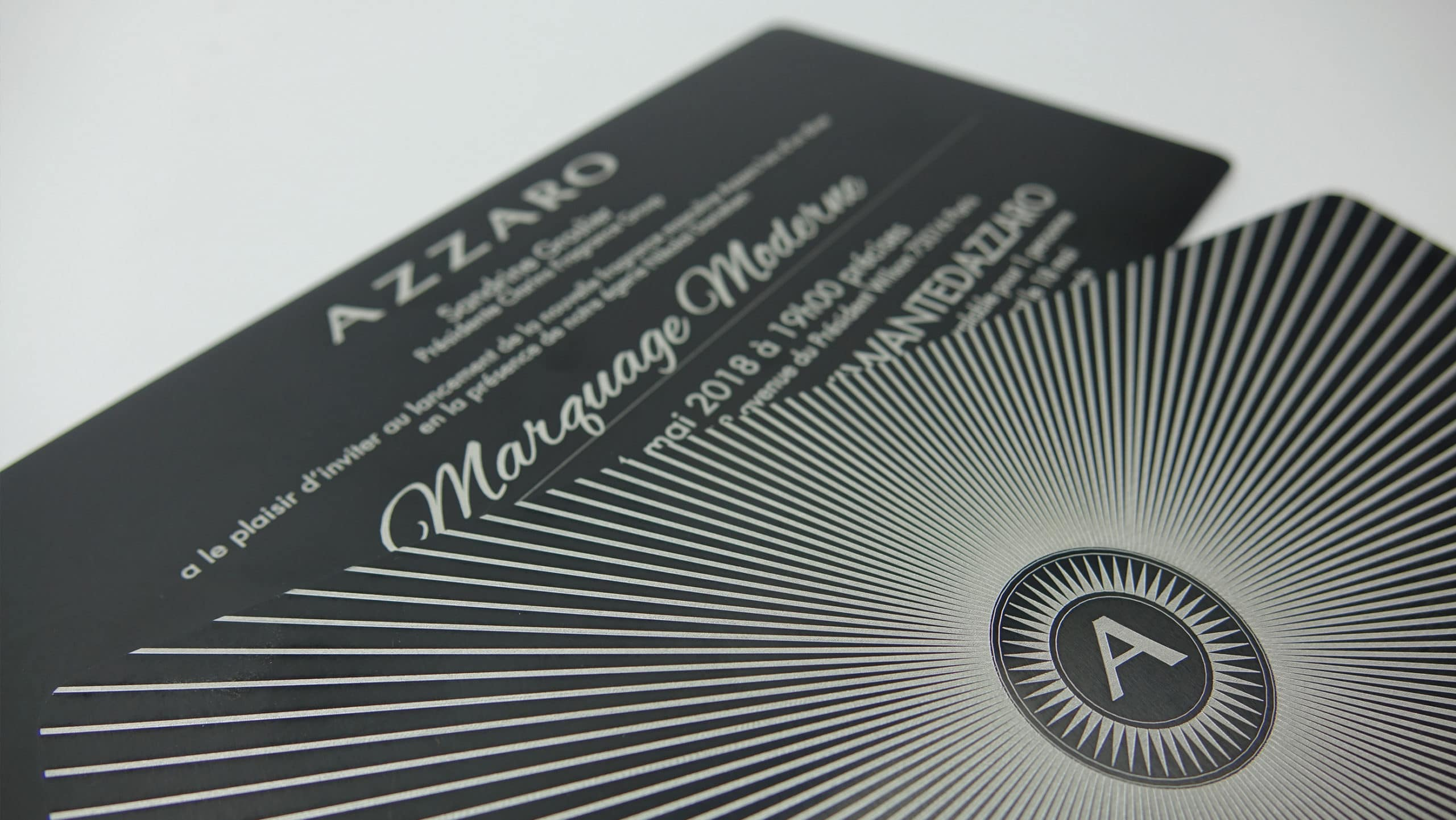 carton d'invitation en aluminium gravé au laser